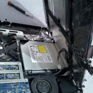 Desconectar cable inverter de iMac