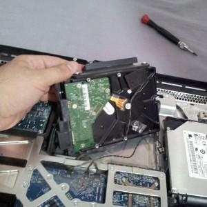 Extrayendo del iMac el HDD